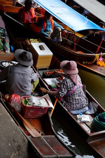 Thai Thailand Mercato Acqua High Angle View Indoors  Real People For Sale Hat Nautical Vessel Clothing Women Occupation Art And Craft Small Business Mode Of Transportation People Day
