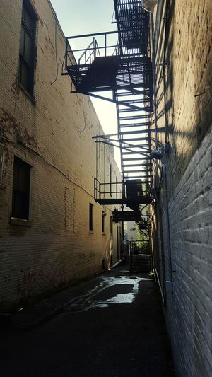 Architecture Built Structure Day Building Exterior No People Outdoors Sky Allyway Alley Alleyway Ally City Urban Urban Photography Fireescape The Week On EyeEm