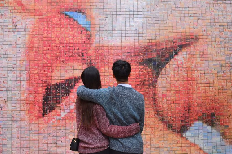Togetherness Love Two People Wall - Building Feature Positive Emotion Heterosexual Couple Love Lovely Couple Focus On The Story Adventures In The City Barcelona, Spain Bario Gotico Ceramics Graffiti Art Graffiti Wall Joan Fontcuberta #FREIHEITBERLIN The Street Photographer - 2018 EyeEm Awards #urbanana: The Urban Playground