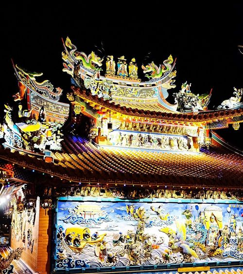 Temple details Illuminated Night Architecture Built Structure Multi Colored Festive Taiwan Style Temple In Taiwan Taiwan Temple Temple Architecture Lunar New Year Lunarnewyear Temple - Building Sculpture Relief Religious Architecture Religious Art Chinese New Year
