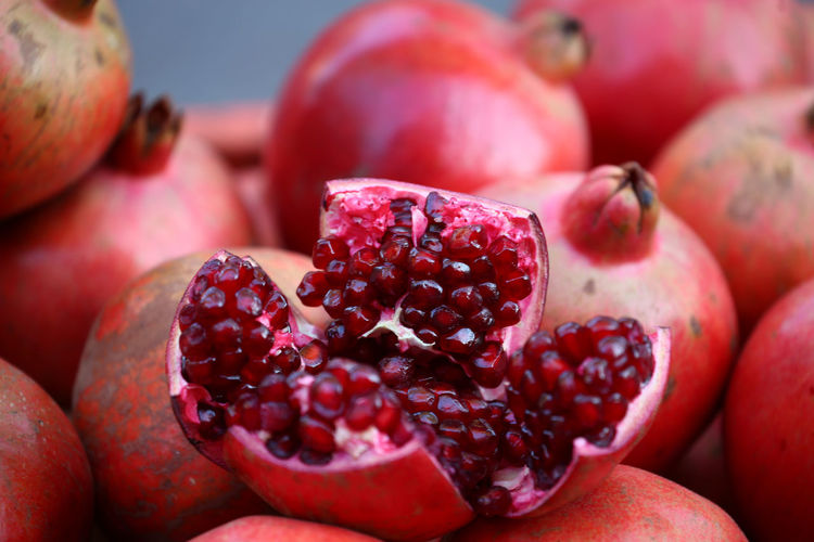 Close-up Day Focus On Foreground Food Food And Drink Freshness Fruit Granateapple Healthy Eating Nature No People Outdoors Pomegranate Pomegranate Seed Red