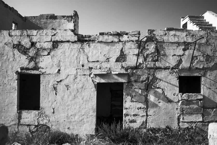 URLO DI MUNCH Architecture Built Structure Building Exterior Outdoors Day No People Sky Photographyislifee Tantebellecose Photograph Followme Photographer Streetphotography Black&white Streetphoto_bw Streetphotography_bw Blackandwhitephotography Bw_collection Bw_lover Black And White Collection  Streetphotographer Backgrounds Photography Photography Themes Black And White Collection