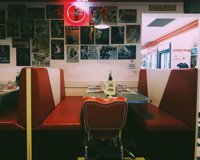 Beautiful places🌮 Lights Food Day Dinner Streetfood Americagraffiti Nachos Burrito Phone PhonePhotography Photo Retro Retro Styled Vintage Eyeemfilter EyeEm Best Shots VSCO Vscocam Chair EyeEmNewHere