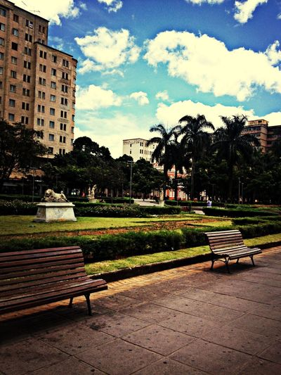 A mais linda praça no centro de BH