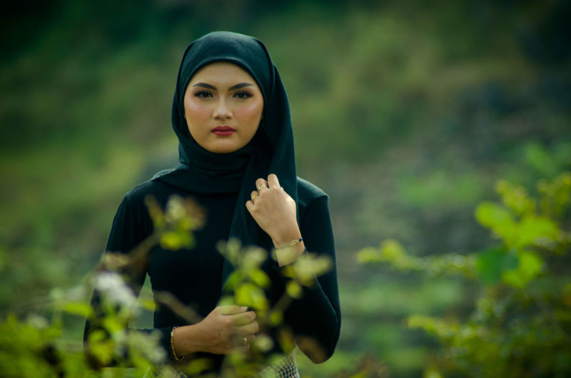 Natural is the real beauty, woman standing with her hijab style