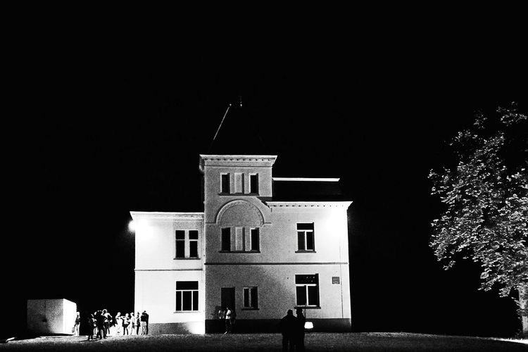 Wijnkasteel Haksberg Tielt-winge PUUR Open Air Belgium♡ Festival Castle Noflash Black & White Nightlife Dark Evening People Event Architecture Grainy Images Festive Season