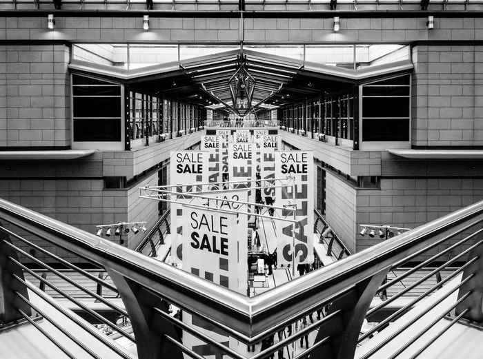 sale .. corner ... Architecture Architecture Architecture_bw Architecture_collection Built Structure Ceiling City Life Corner Development Ecke Einkaufszentrum Engineering Geländer Illuminated Indoors  Mall Modern Railing Sale Shopping Showcase: February Urban Urban Geometry Urbanphotography