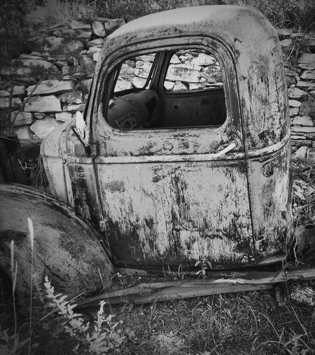 """Last Parking Place"" An old truck sits abandoned in the tiny village of Ribera along State Route 3 in North Central New Mexico, USA. Oldtruck Oldcars Abandonedtruck Abandoned Derelict Newmexico Newmexicophotography Blackandwhite Blackandwhite Photography Ruraldecay Historical"