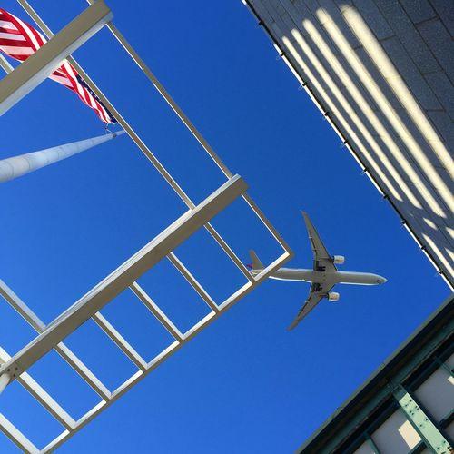 TakeoverContrast Clear Sky Sky Air Vehicle Airplane New York First Eyeem Photo Geomertic Shadow FirstEyeEmPic Blue