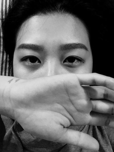 被心魔吞噬的後遺症 Sad Eyes Crying Without Sound Crying Eye Crying Tears Depression Sullen Anxiety  Weekness Sick Portrait Looking At Camera One Person Headshot Human Body Part Young Adult Women Young Women