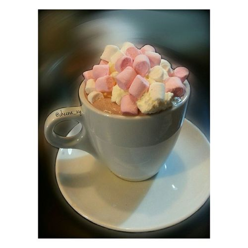 hot chocolate at McAnerney's 昨天