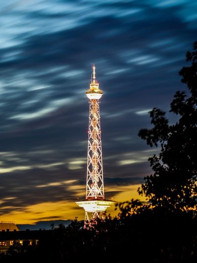 Berliner Funkturm illuminiert TV Tower Tv Tower Berlin Funkturm Needle Built Structure Architecture Tower Sky Tall - High Tree Nature Illuminated No People Cloud - Sky Night Building Building Exterior Travel Destinations Broadcasting Communication Outdoors Capture Tomorrow
