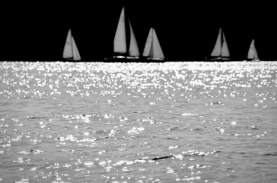Fortheloveofblackandwhite Feel The Wind Bnw_friday_eyeemchallenge Blackandwhite Shootermag Streamzoofamily My Fuckin Berlin Home Sweet Home From My Point Of View Eye4photography  EyeEm Gallery EyeEm Masterclass Water Reflections Sailing Going Sailing Learn & Shoot: Simplicity