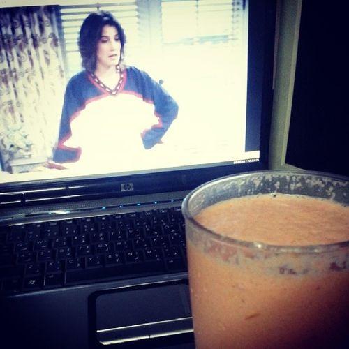 Apple + guyabano + carrot + orange + milk shake and how i met your mother Chillax Howimetyourmother Marathon Fruitshake homemade