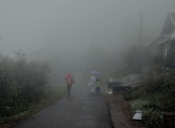 Fog People Two People Adult Outdoors Tree Full Length Rural Scene Adults Only Sky Day Young Adult Only Men