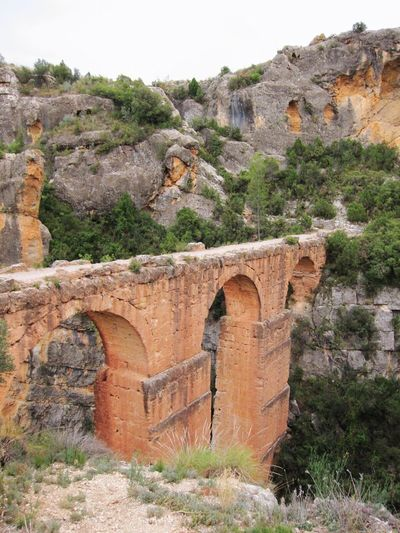 Ruinas de acueducto romano en Chelva, Valencia, España. Built Structure Architecture Mountain Wall - Building Feature Arch Bridge - Man Made Structure Old Ruin History Ruined Nature Stone Material Roman Empire Romanic Mountains Outdoor Photography València Valencia, Spain Valencia Landscapes