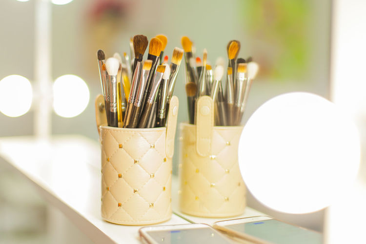 Beauty Salon Brush BRUSH.. Brushes Close-up Cosmetics Cosmos Day Domestic Room Home Indoors  Instruments Large Group Of Objects Light Lights Mirror No People Reflection Style