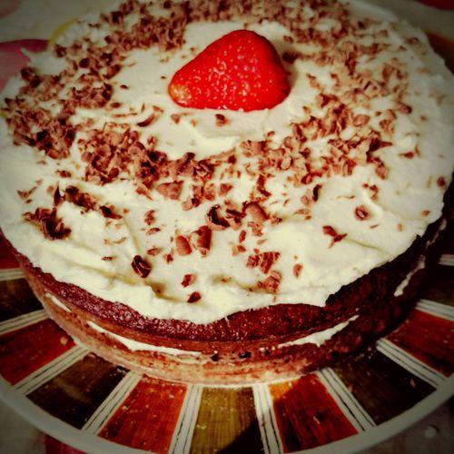 Yummy Cake Chocolatecake Butter Icing Grated Chocolate Strawberry Homebaked Bakedwithlove Toogoodtoeat