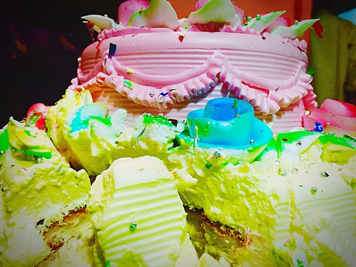 Broken Anniversary cake! Cake Cakestagram Cakelovers Cakes, Sweets, Love It Cake Smash Eaters Creamy Colorful Yummy :) Handful Of Happiness Mouthfulofhappiness Crashing Funtime Sharethelove