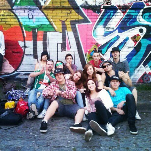 Narniaa Galera Friends Graffiti Sk8
