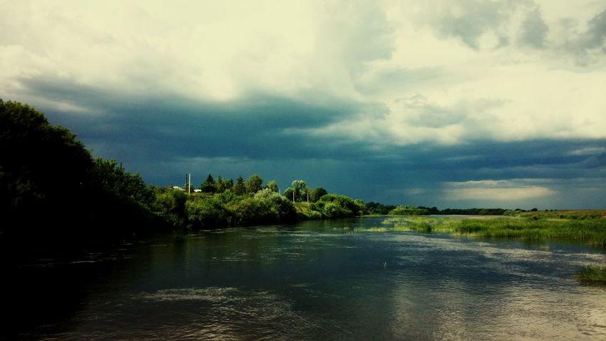 Природа Nature Samertime Naturerussia природа🍃 природароссии цна речка течение River река природа и красота берег вода наречке небо облака Storm гроза гром дождь гроза