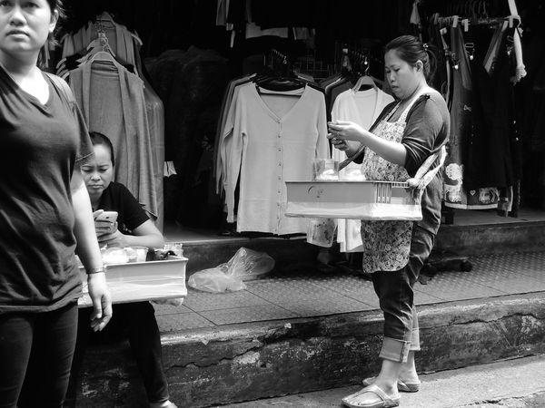 hawker in bangkok Bangkok Black And White Black And White Photography City City Life Food Hawker Hawker Food Hawkerfood Hawkers Life Lifestyles Market Metropolis Monochrome Monochrome Photography Monotone Peddler Sell Street Street Photography Streetfood Streetphoto_bw Streetphotography Trade