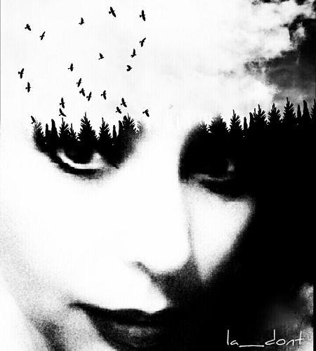 Souvent, pour s'amuser, les hommes d'équipage Prennent des albatros, vastes oiseaux des mers, Qui suivent, indolents compagnons de voyage, Le navire glissant sur les gouffres amers. À peine les ont-ils déposés sur les planches, Que ces rois de l'azur, maladroits et honteux, Laissent piteusement leurs grandes ailes blanches Comme des avirons traîner à côté d'eux. Ce voyageur ailé, comme il est gauche et veule! Lui, naguère si beau, qu'il est comique et laid! L'un agace son bec avec un brûle-gueule, L'autre mime, en boitant, l'infirme qui volait! Le Poète est semblable au prince des nuées Qui hante la tempête et se rit de l'archer; Exilé sur le sol au milieu des huées, Ses ailes de géant l'empêchent de marcher. Charles Baudelaire Self Portrait Selfportrait NEM Self Open Edit Blackandwhite Dark Art Dark Edit Selportrait_tuesday_nonchallenge Monochrome Goodnight