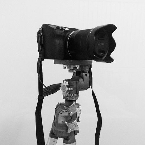 Please just finish finals, so I can start making videos. My uncle just gave me his ancient Velbon tripod.