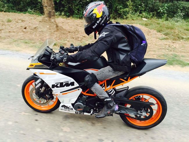 Me ! ! ! Welcome to Golden Land MYANMAR (Bilin City, Mon State) Ready To Race !! >>> Motorcycle Outdoors Transportation Men Skill  Day One Person Adults Only Helmet Only Men One Man Only Headwear Adult People Motorcycle Racing Ktmrc390 Adventure Time Modular Helmet Motorcycle