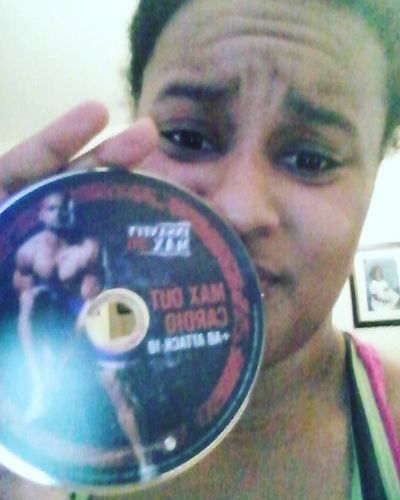 Month 2 of Insanity Max 30: Cardio Max Out kicked my butt...I wasn't ready for that haha. I haven't been as strict on my diet as i would've liked so when my Shakeology arrives I'll be good to go. Fitness Sweat Exercise Cardio Gym Motivation Healthyliving Gymlove Healthy InsanityWorkOut Gains Insanity Imaxedout Intervals