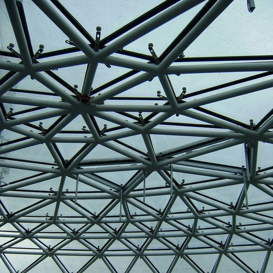 metal constructions Pattern Ceiling Close-up Sky Architecture Built Structure Architectural Design Architecture And Art Architectural Detail Diamond Shaped Triangle Skylight Architectural Feature Hexagon Geometric Shape
