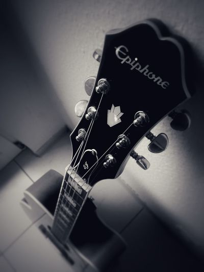 Music Musical Instrument Arts Culture And Entertainment Playing Skill  Close-up Musical Instrument String Indoors  Plucking An Instrument No People Woodwind Instrument Mobile Photography Charme Love Vintage Music Brings Us Together Musician Music Sweet Chilling Black And White Band Guitar Guitar Player