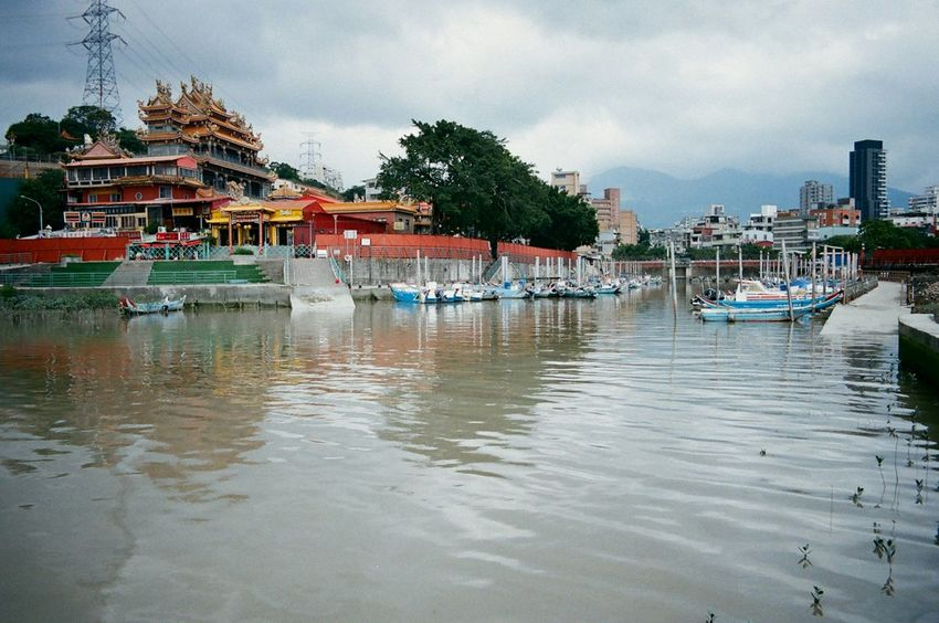 Riverside Walking Around 35mm Film Film Photography Harbour & Ships Fishing Boats Taiwanese Temple Film Is Not Dead Nikon Fm10 菲林 The Changing City Live For The Story