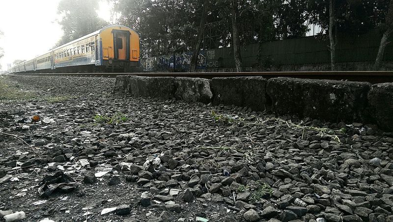 Missed the train,,, again... 😵😖 Taking Photos Evening Light In Direct Sunlight Bandung INDONESIA Htcm8 Htc One M8 Shades Of Grey