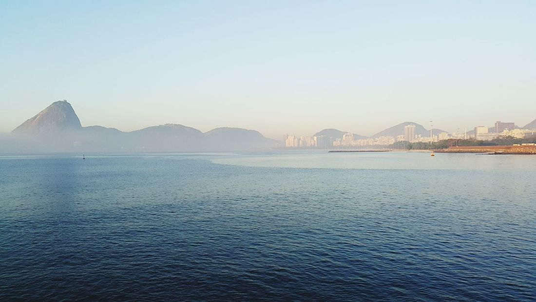 O Rio ainda é lindo... The Rio still beautiful Airport Starting A Trip Rio De Janeiro Tourism Sea SauloValley