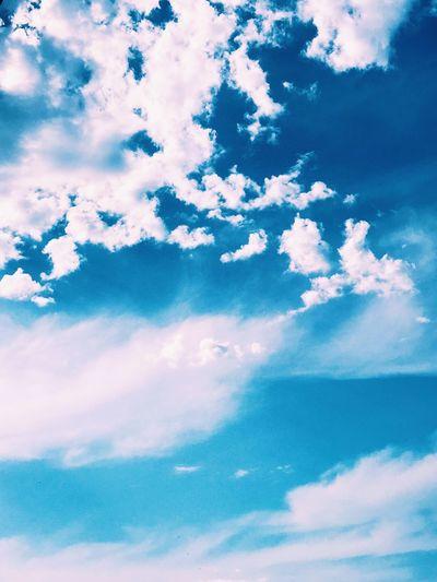 Huzur Paris Cieldeparis CielBleu Cloud - Sky Sky Beauty In Nature Tranquility Nature Low Angle View Tranquil Scene Blue Cloudscape Meteorology