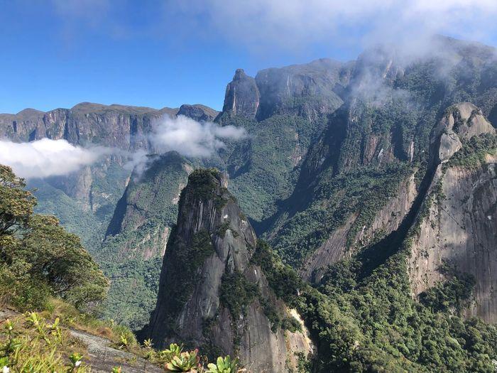 Pico do Escalavrado com a vista do Dedinho de Nossa Senhora. Movimente_se Trekking Climbing Plant Tree Beauty In Nature Scenics - Nature Mountain Nature Sky