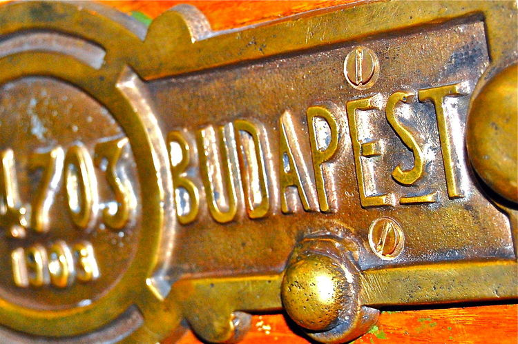 Part Of Closeup Metal Bronze Budapest Made In Bulgaria MADE IN  Plaque Plaques Métal Signs