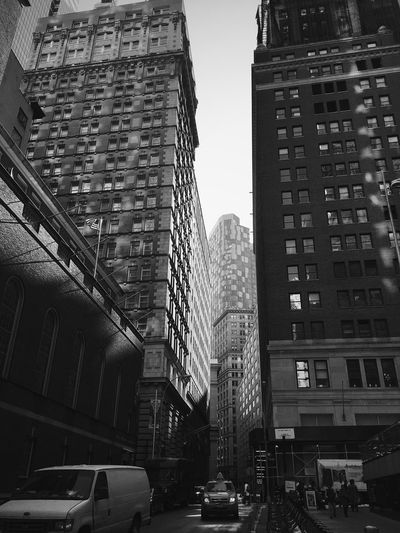Check This Out Nycalive ShotOniPhone6 Architecture NYC NYC Photography NYC Street Photography NYC LIFE ♥ Streetphotography Street Photography ShotoniPhone6s Street Oldschool Old-fashioned Old Black&white Black & White Blackandwhite Photography Blackandwhite Nycphotography Black And White Lower Manhattan Taking Photos