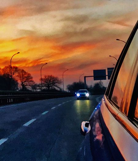 Sonnenuntergang 🌅 🎉✨ Sunset Sky Cloud - Sky Orange Color Transportation Mode Of Transportation My Best Photo No People City Motor Vehicle Land Vehicle Architecture Road Building Exterior Beauty In Nature Dusk Outdoors Nature Water Car Street My Best Photo Humanity Meets Technology