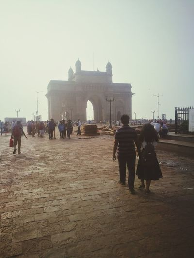 Lover's at The Gateway India Dawn Of A New Day Dawn Light Mumbai City Ancient Civilization History Architecture Sky Built Structure Triumphal Arch City Gate Monument National Monument Archaeology Visiting The Traveler - 2018 EyeEm Awards