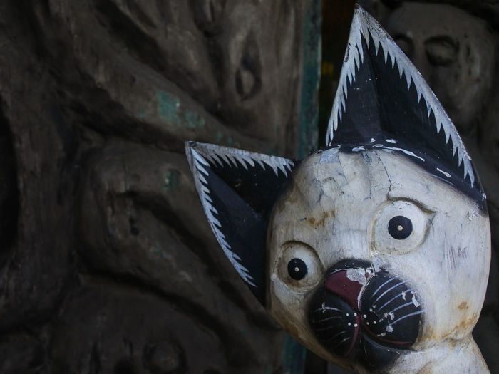 wooden kitten Cracked INDONESIA Animal Sculpture Photography Antique Old Time Classics Decorations Home Decor Kitten Wood Art HDR Hdr Photography Photo Talks White Kitten Rahadianerick Mimic Face Shock Face Sukawati Traditional Antique Close-up Sculpture Sculpted Statue Carving - Craft Product Art