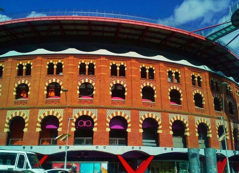 Las Arenas, Barcelona Spain♥ Arquitecture Relaxing Hi! Hello World Colorful City Arabesque Design