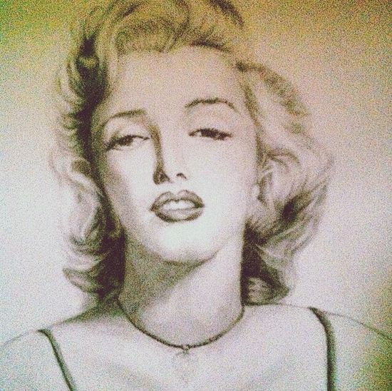 The unfinished painting 'Marilyn Monroe'