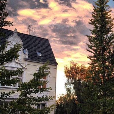 #sky #himmel #nofilter #cloud #clouds #cloudporn #skyporn #colour #colorful #colourful #rheydt #nrw #morning #sun #sunlight #sunrise #pictureoftheday #photooftheday #instagood #instamood #instahub Sunlight NRW Cloudporn Colourful Colorful Himmel Colour Photooftheday Skyporn Clouds Nofilter Sun Instamood Morning Instagood Sunrise Pictureoftheday Sky Instahub Rheydt Cloud