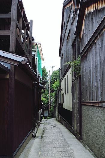 Kyoto,japan Architecture Building Exterior Built Structure House Street The Way Forward Alley Outdoors No People Residential Building Day City Sky 일본쿄토