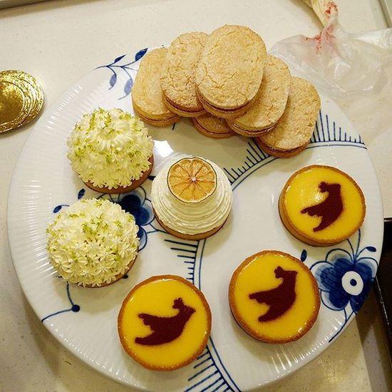 今天上課的點心出爐 LemonTart Passiontart Dacquoise Tartelette Lovemylife Lovelife 愛曼達