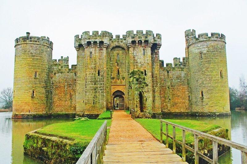 Bodiam Castle Architecture History England Built Structure Travel Destinations Fairytale  Castle