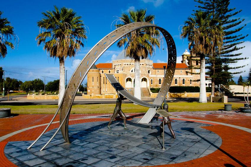 Sundial Statue Australia Western Australia Geraldton Statue Sundial City Palm Tree