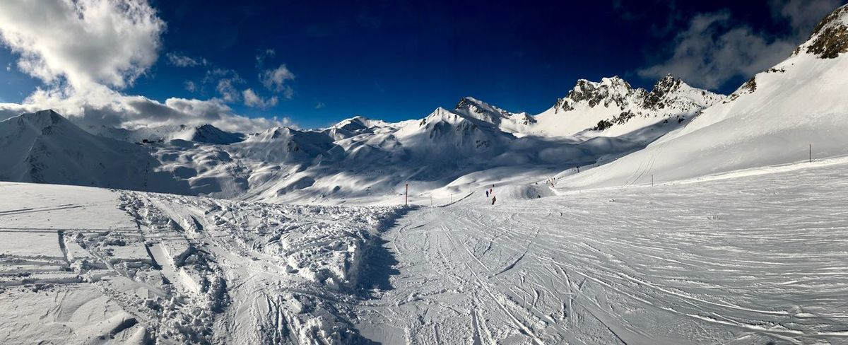 Skifun Snow Winter Cold Temperature Beauty In Nature Nature Weather Scenics White Color Sky Day Mountain Cloud - Sky Landscape Frozen Mountain Range Sunlight Snowcapped Mountain Outdoors Tranquility